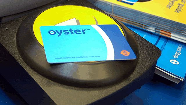 2267-640x360-oyster-card-reader_hero