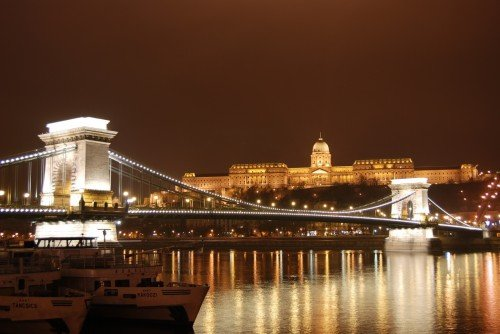 The_Szechenyi_Chain_Bridge_and_Royal_Palace_Buda_Castle_Budapest_Hungary-e1327938324254