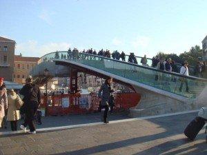 Le pont sur la Piazzale Roma