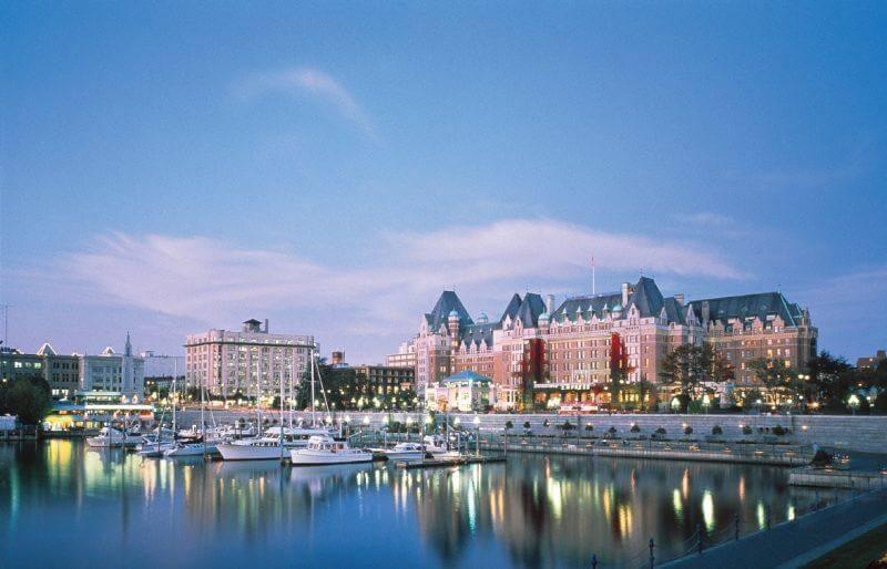 Canada_BC_Victoria_harbour_Empress_Hotel_159c75a28adf4e61a781959024f75e13