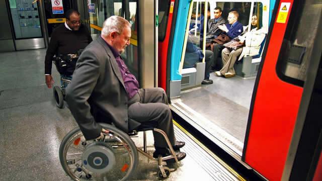 61162-640x360-tube-wheelchair-passenger